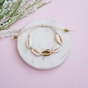 Jewelry - 5 for $25 Gold Sea Shell Adjustable Bracelet